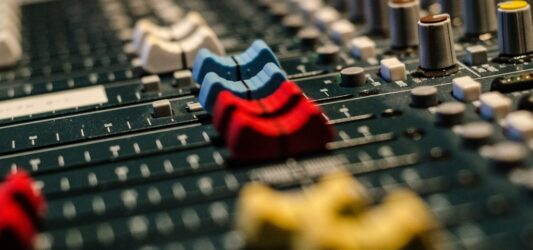 audio-519575_1280x600